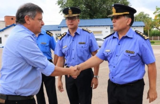 "GOBERNADOR : PEPPO INCORPORARÁ 600 NUEVOS POLICÍAS ""CON VOCACIÓN DE SERVICIO"