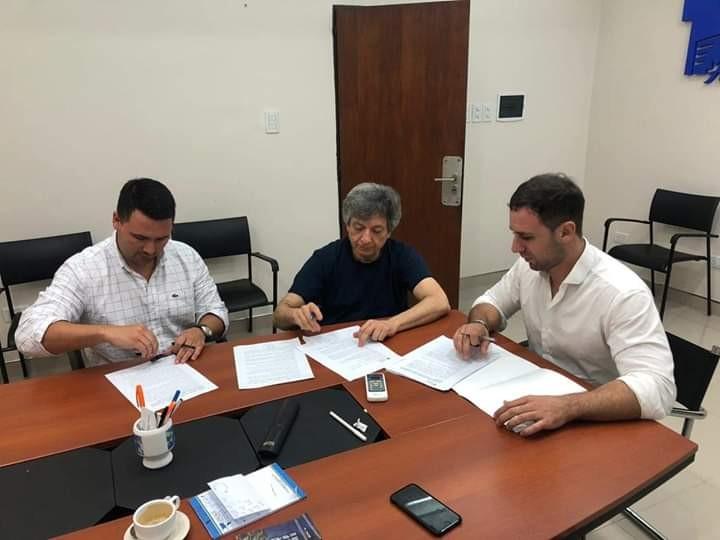 UNCAus firmó Convenio con Tazo Pozo para coordinar acciones educativas