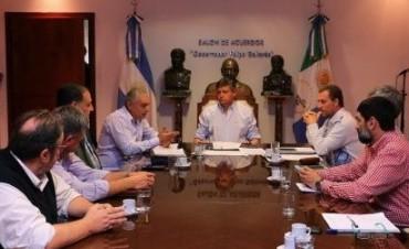 """PEPPO ANUNCIÓ NUEVA CANCHA DE HOCKEY """"PARA PONER AL CHACO EN LOS NIVELES MÁS ALTOS DE COMPETENCIA"""""""