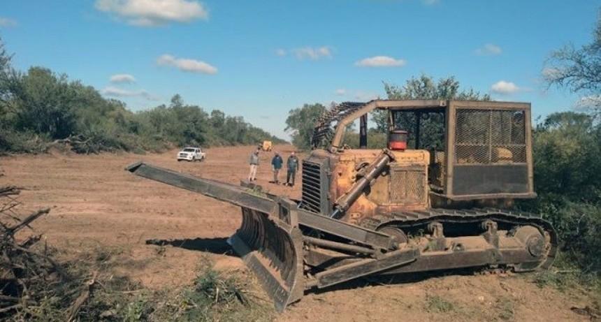 Vialidad Provincial abre nuevo camino en la zona de Taco Pozo