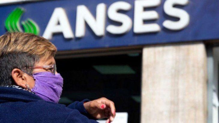 ANSES permite a mujeres jubilarse sin aportes: cómo realizar el trámite y cuáles son los requisitos