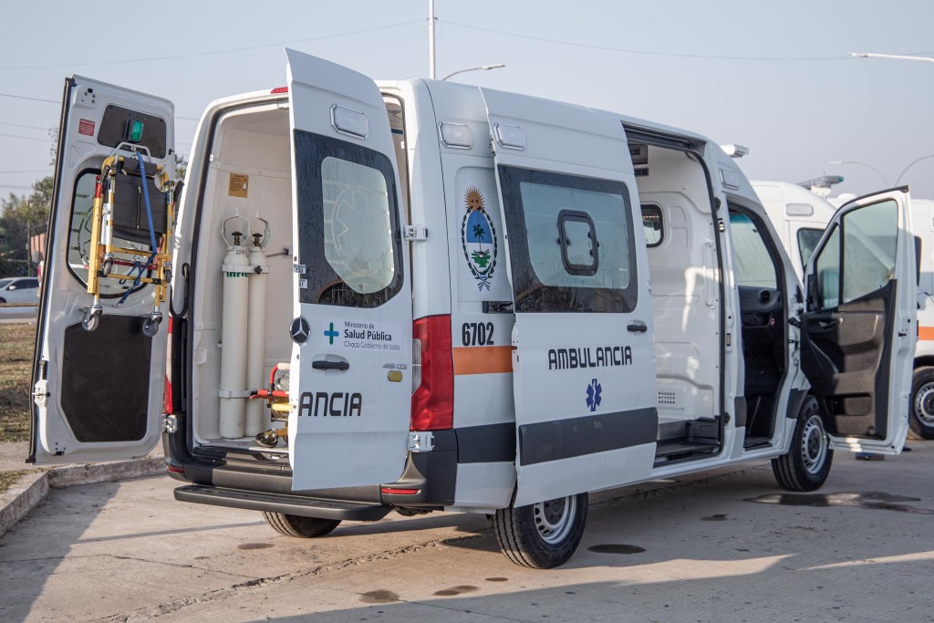 Capitanich entregó 23 nuevas ambulancias