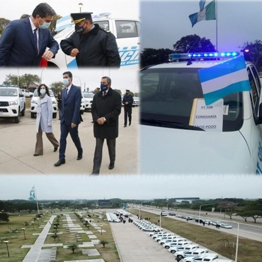 """NUEVO VEHÍCULO PATRULLERO PARA TACO POZO : CAPITANICH ENTREGÓ 45 NUEVOS VEHÍCULOS POLICIALES PARA DIFERENTES LOCALIDADES: """"SON INDISPENSABLES PARA QUE PUEDAN CUMPLIR SU ROL FUNDAMENTAL DE PREVENCIÓN"""""""