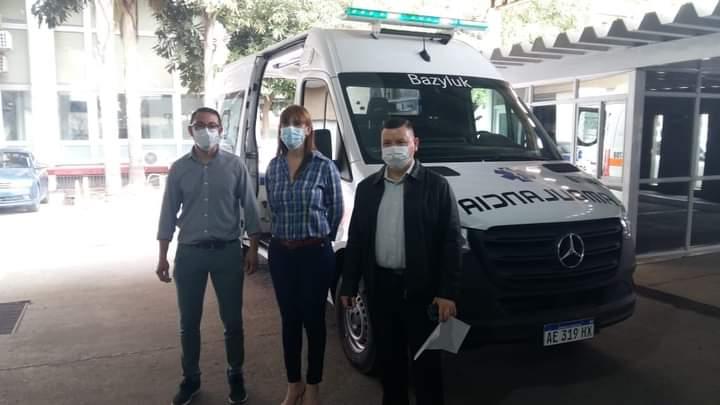 Salud entregó seis ambulancias para localidades del interior chaqueño